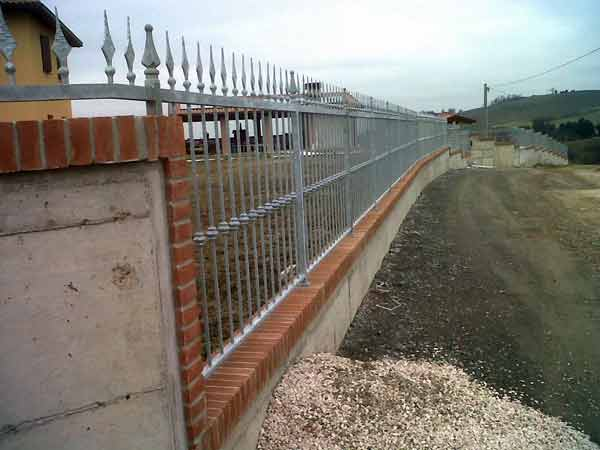 Prezzi-recinzioni-metalliche-per-parchi-e-cortili-imola